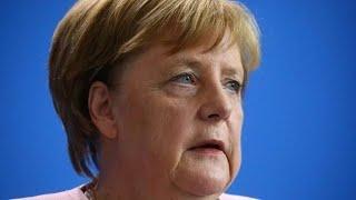 Merkel mit Schwächesymptomen: Zittern in Gliedmaßen