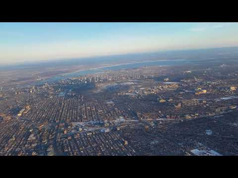 A nice and very rare turn over Montreal downtown / royal mount - 4K UltraHD