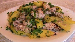 Картофель, запеченный с куриной грудкой.  Отличное блюдо для семейного ужина!
