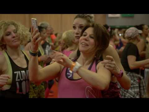 Keblack en showcase au salon body fitness, krys annonce la Zumba cruise