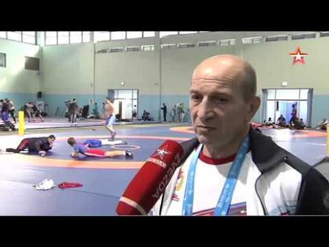 Офицер знаменосец Алексей Мишин показал в Южной Корее мощь России
