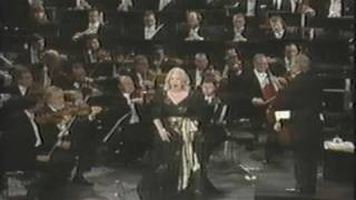 "Gwyneth Jones - ""In questa reggia"" from Puccini"