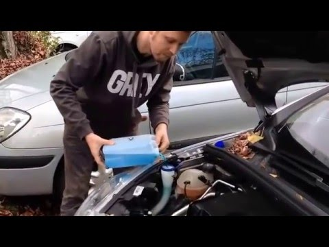 Peugeot 308 How To Add Windshield Washer Fluid To Car