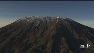 Tanzanie : sommet du Kilimandjaro, cratère, volcan environnant