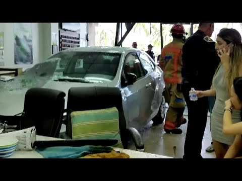 Car crashes into nail salon in Hallandale Beach