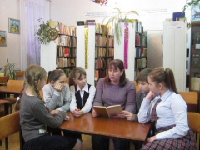 Изображение предпросмотра прочтения – ОльгаМамаева читает произведение «Рассказ танкиста» А.Т.Твардовского
