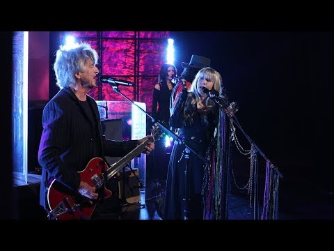 Fleetwood Mac Performs