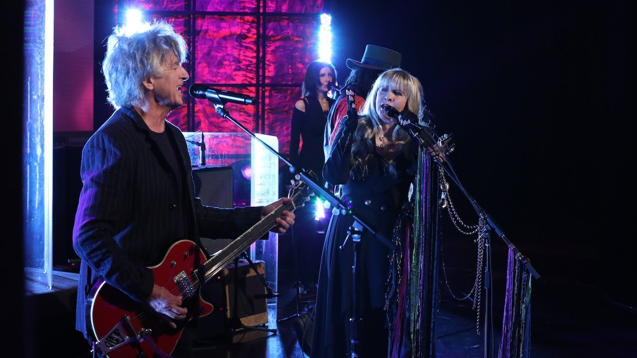 "Download Fleetwood Mac Performs ""Gypsy"""