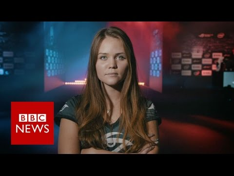 Inside world of female gamers - BBC News