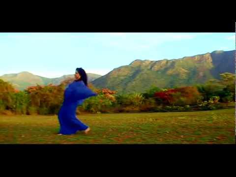 Dhak Dhak Dil Mera Karne Lagaa   Aadmi 720p HD Song