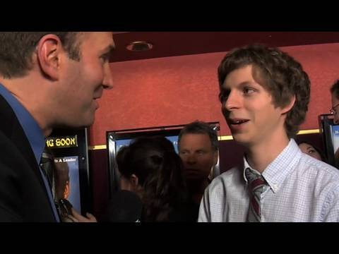 Funny Red Carpet Moments with Michael Cera, Justin Long & Fred Willard