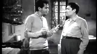 Cantinflas explica la teoria del atomo