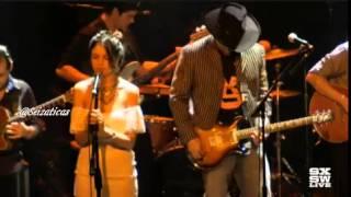 """Eiza Gonzalez cantando """"Siente mi amor"""" #SXSW"""