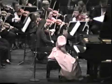 Jen Shyu (aged 13), Tchaikovsky Piano Concerto No.1 in Bb minor, 3rd mvmt (1991)