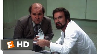 The End (1978) - Straitjacket Surprise Scene (5/11) | Movieclips