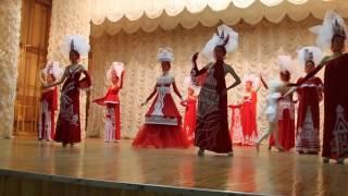 Театр мод Шик красно белая коллекция