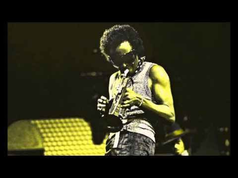 Miles Davis- October 17, 1973 Paul's Mall, Boston