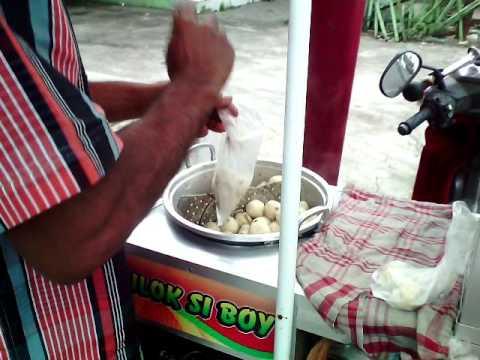Magelang Street FOOD ( Cilok Si Boy ) Jajanan kaki