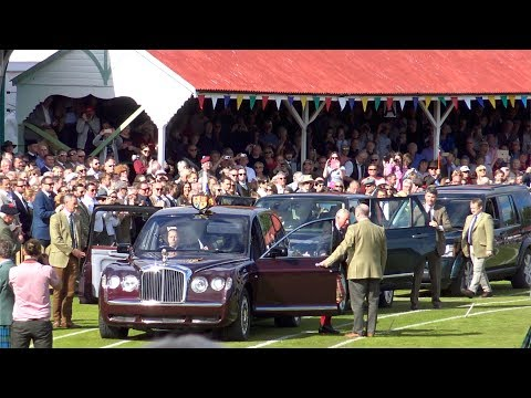 Braemar Gathering 2017 - Arrival of her Majesty The Queen, Royal Family and massed pipe bands in 4K