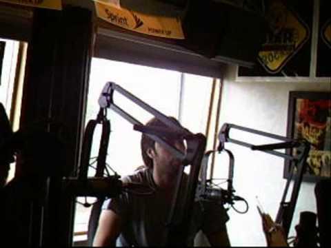Atom Smash LIVE in the 103.9 The Bear Studio 1/2