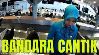 Garuda Indonesia di Bandara Udara Sultan Aji Muhammad Sulaiman Sepinggan Balikpapan