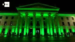 Edificios Emblemáticos Se Iluminan De Verde Para Conmemorar El Día Del Patrón De Irlanda