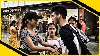 Kissing Card Trick | Street Magic 2018 | INDIA