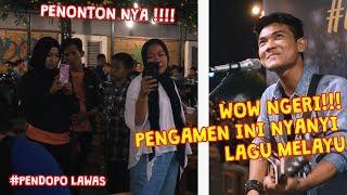 Download WOW!!!  NGERI PENGAMEN INI BAWAKAN LAGU MELAYU!!! LIHAT REAKSI PENONTON NYA