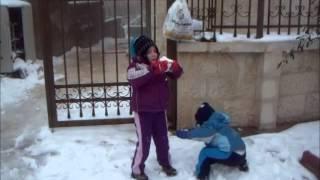 sarah und ajub im schnee