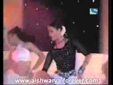 YouTube - Aishwarya Rai live Performances 2001.mp4
