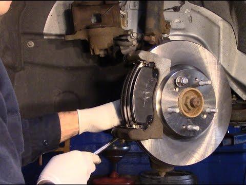 2015 chrysler 200 brake pads