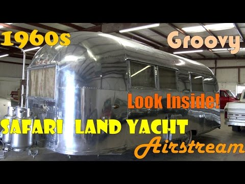 Retro 1960s Airstream Land Yacht Safari classic American tra