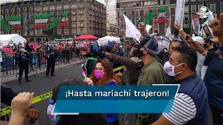 """Manifestantes en apoyo al presidente Andrés Manuel López Obrador se dirigen el Zócalo capitalino; gritan consignas contra FRENAAA y afirman que """"Es un honor estar con Obrador"""""""