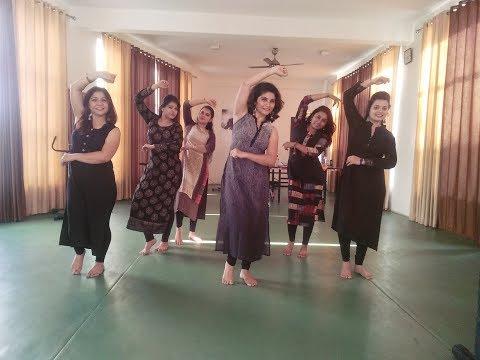 Chogada Tara - Loveratri- Dandiya Dance Fitness- Navratri Song - Choreo by Neha Pant
