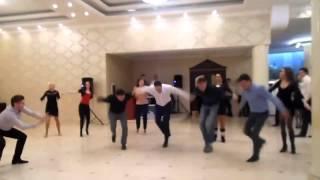 Танцы на молдавской свадьбе! КРУТО