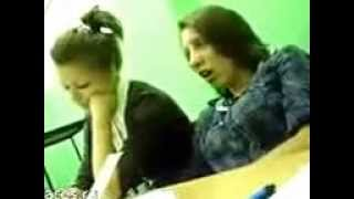 Девка спит на ходу)))ржака