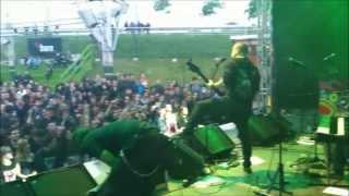 Leander Rising - Behind the scenes: Entering the stage, Bennem live at Zöld Pardon 2013.06.04 Thumbnail