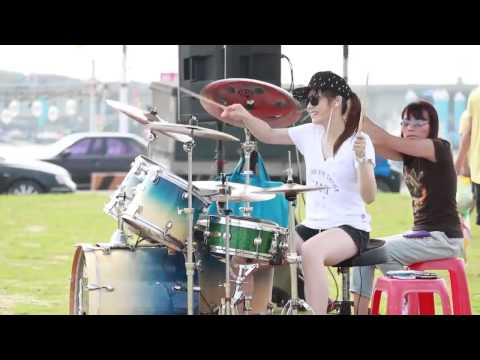 Vicky Chen - Gentleman ( Drums Girl ) Mp3