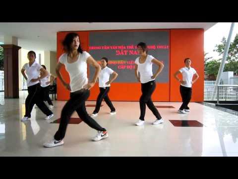 Lớp hướng dẫn viên aerobic 1/3 năm 2012 - trung tâm Đất Nam - nhóm 8