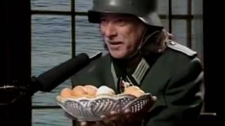 Eiersoldat Helge Schneider