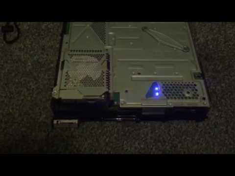 Naked PS4 (fat) in operation
