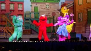 Sesame Street Live Lets Dance Thrills kids