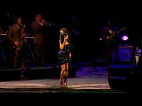 Amy Winehouse- You Know I'm No Good (Glastonbury 2008)