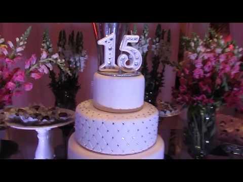 Sugestão de Decoração de mesa para festa de 15 anos