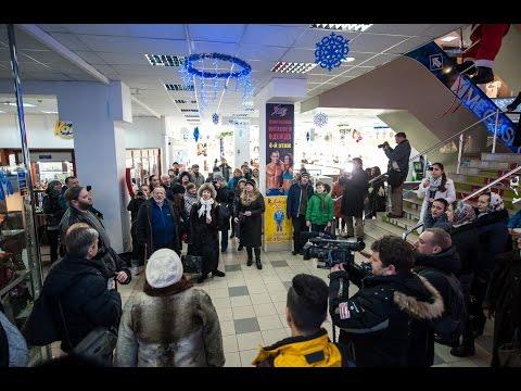 Видео: Рождественский флешмоб в торговом центре