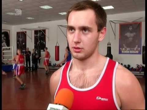 Как стать чемпионом по боксу? Именитый спортсмен провел тренировку для юных челябинцев