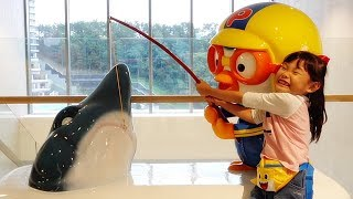Kids Learn Colors with Pororo Kids Cafe, Baby Shark Song for Kids Nursery Rhymes 뽀로로 키즈카페 놀이터 영어동요
