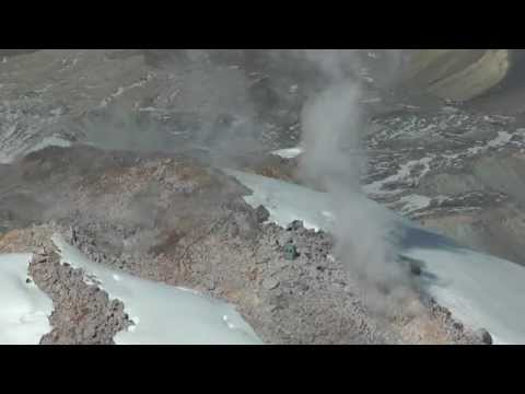 Mt St Helens 3.8.15 - worm flow route and crater fumaroles
