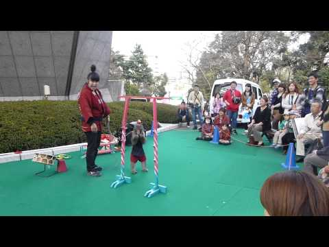 awesome monkey performance at tokyo tower.