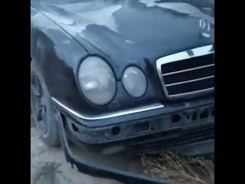 В Бишкеке водитель сбил мать с детьми и скрылся с места ДТП